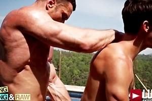 Stas Landon Tops Devin Franco