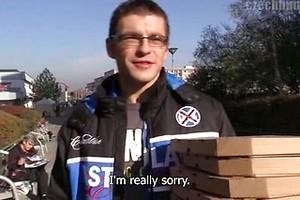 CZECH HUNTER 276 - Pizza boy